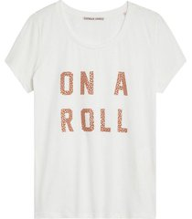 t-shirt roller wit