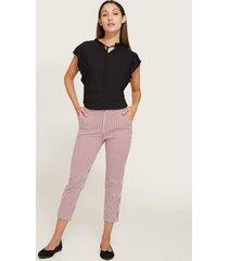 pantalón capri estampado bolsillos diagonal-10