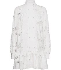 lara kort klänning vit custommade