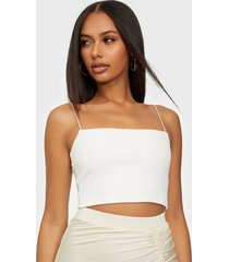 nly one crepe strap top linnen