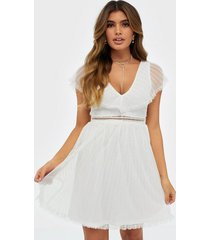 nly trend unforgettable frill dress skater dresses