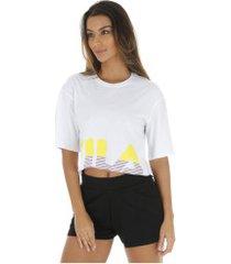 blusa cropeed fila letter - feminina - branco/amarelo