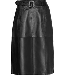 slfolly hw midi leather skirt b knälång kjol svart selected femme