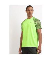 camiseta masculina esporte ace futebol manga curta raglan estampada gola careca verde
