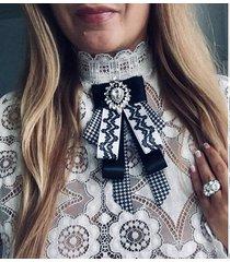 brosza/ krawat z kryształem w stylu glamour