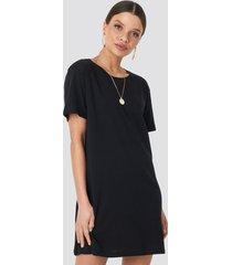 na-kd basic t-shirt dress - black
