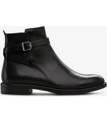 boots amina i jodphurs-modell