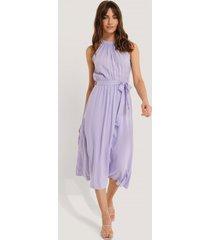 trendyol ärmlös midiklänning - purple