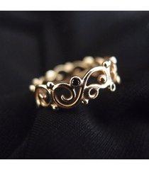 diamonds in curls... złota obrączka z diamentami