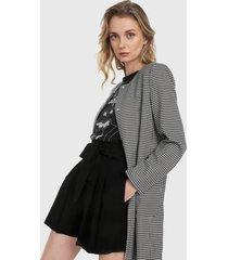 abrigo blanco-negro mng