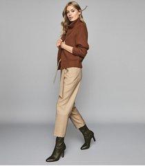 reiss horton - wool blend straight leg trousers in camel, womens, size 10