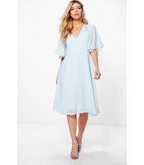 chiffon midi skater bruidsmeisjes jurk met engelen mouwen, hemelsblauw