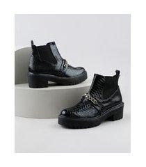 bota de verniz feminina oneself cano curto salto baixo tratorada texturizada croco com corrente preta