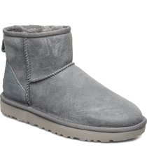 w classic mini ii shoes boots ankle boots ankle boots flat heel grå ugg