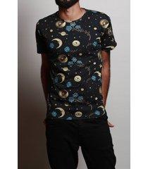 camiseta cosmo