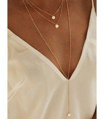 collar de múltiples capas con lentejuelas circulares de tres puntas doradas
