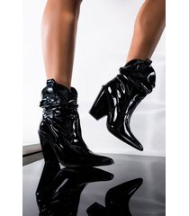akira cape robbin high off of love heeled bootie