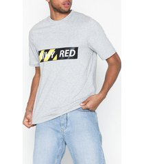 whyred foxton whyred logo black/yellow t-shirts & linnen light grey melange