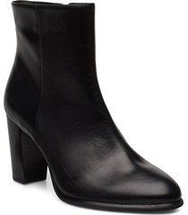 ugo_ne shoes boots ankle boots ankle boot - heel svart unisa