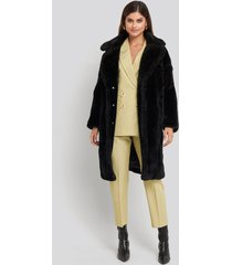 na-kd trend long teddy fur jacket - black