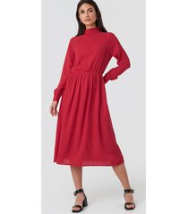 na-kd trend high neck zip front ankle dress - red