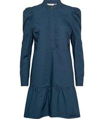 nubeatriz dress knälång klänning blå nümph