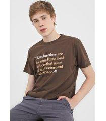 camiseta osklen lettering marrom
