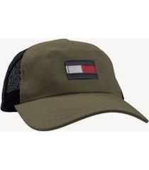tommy hilfiger men's flag trucker cap deep lichen green -