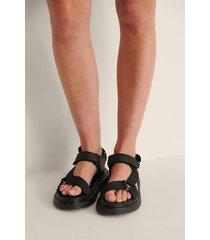 na-kd shoes gjorda av kardborrband sandaler - black