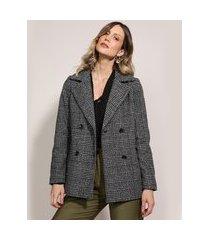 casaco trench coat feminino estampado xadrez transpassado gola com pelo chumbo