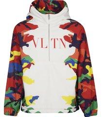 valentino vltn logo camouflage hoodie