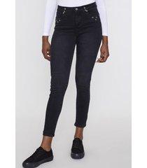 jeans básico push up skinny 1 botón negro ojetillos bolsillos  corona