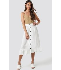 na-kd boho frill hem front button skirt - white