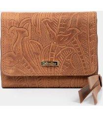 billetera para mujer de cuero grabado