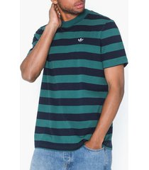 adidas originals stripe tee t-shirts & linnen grön/randig