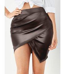 falda de piel sintética asimétrica cruzada marrón