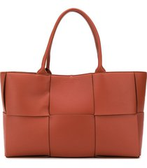 bottega veneta arco tote bag - brown