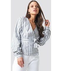 na-kd wrap over striped blouse - grey