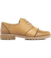 zapato de atadura color miel de mujer cosmos