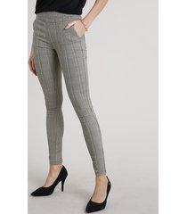 calça legging feminina estampada xadrez em jacquard kaki