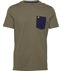 contrast pocket t shirt t-shirts short-sleeved grön lyle & scott