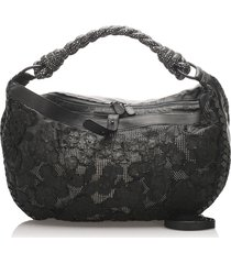 bottega veneta intrecciato leather shoulder bag black, white sz: l