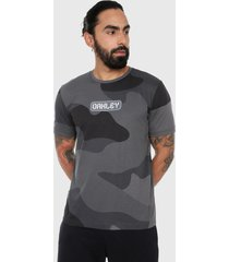 camiseta gris-negro oakley digit camo ss