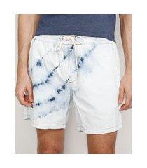short jeans masculino tie dye com cordão azul claro
