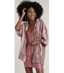 camisa feminina ampla estampada animal print cobra com bolso manga curta rosa