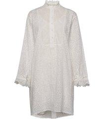 dress w. frill detail and broderie knälång klänning vit coster copenhagen