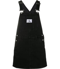 calvin klein jeans logo-patch dungaree dress - black