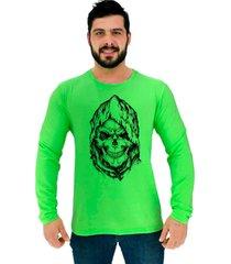 camiseta manga longa moletinho alto conceito skull caveira lenda urbana verde neon - verde - masculino - algodã£o - dafiti