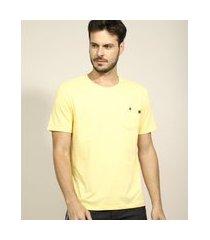 camiseta masculina com bolso manga curta gola careca amarela