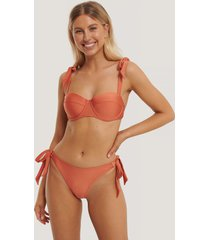 statement by na-kd influencers bikiniunderdel med knytning i sidan - orange